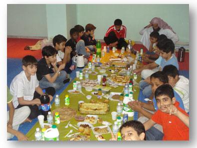 إفطار جماعي يوم عاشوراء (لقسم الصفوف العليا )