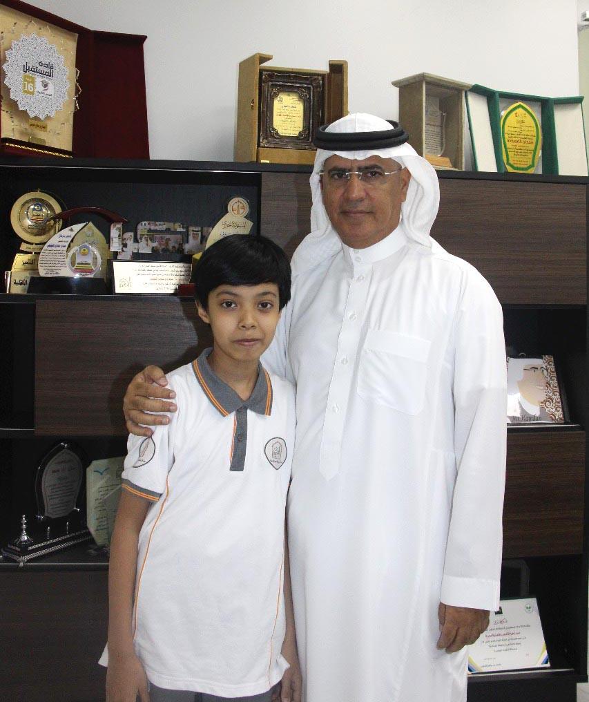 القسم الابتدائي يحصل على المركز الأول في مسابقة الزخرفة الاسلامية
