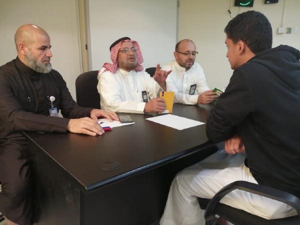 تحدي القراءة العربي بالقسم الثانوي