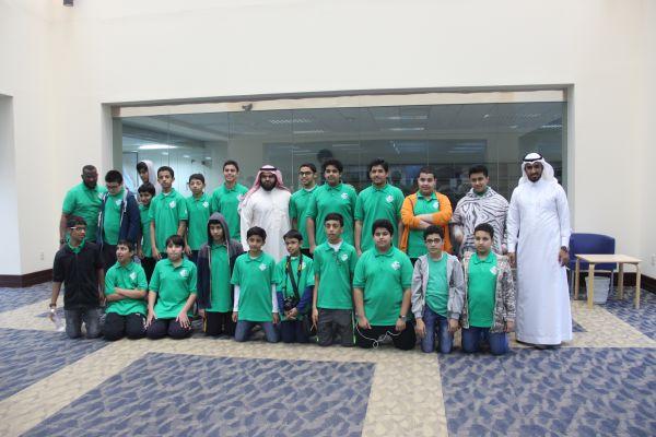زيارة طلاب المتوسط لجامعة الملك عبدالعزيز