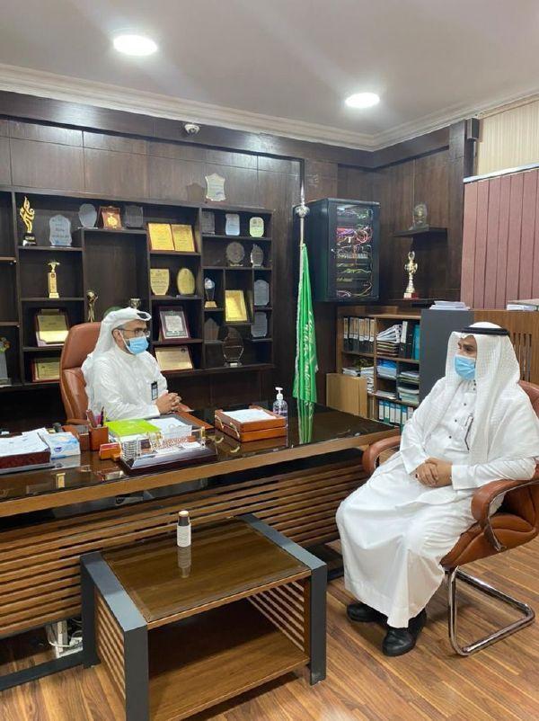 زيارة مشرف الصفوف الأولية بالإدارة العامة للتعليم بجدة