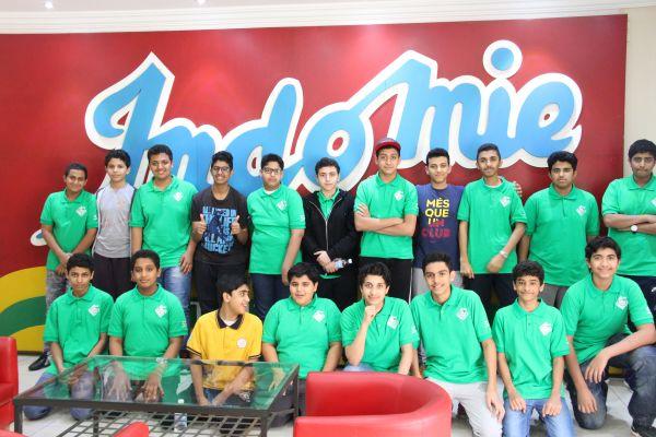 طلاب المتوسط في زيارة لمصنع (إندومي)